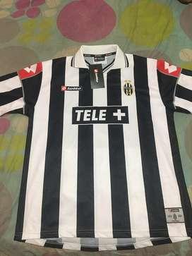 Vendo camiseta de la juve temporada 2001/2002