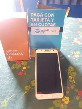 Vendo Samsung j7 2015 impecable,libre sin detalles