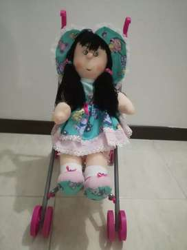 Vendo coche con muñeca