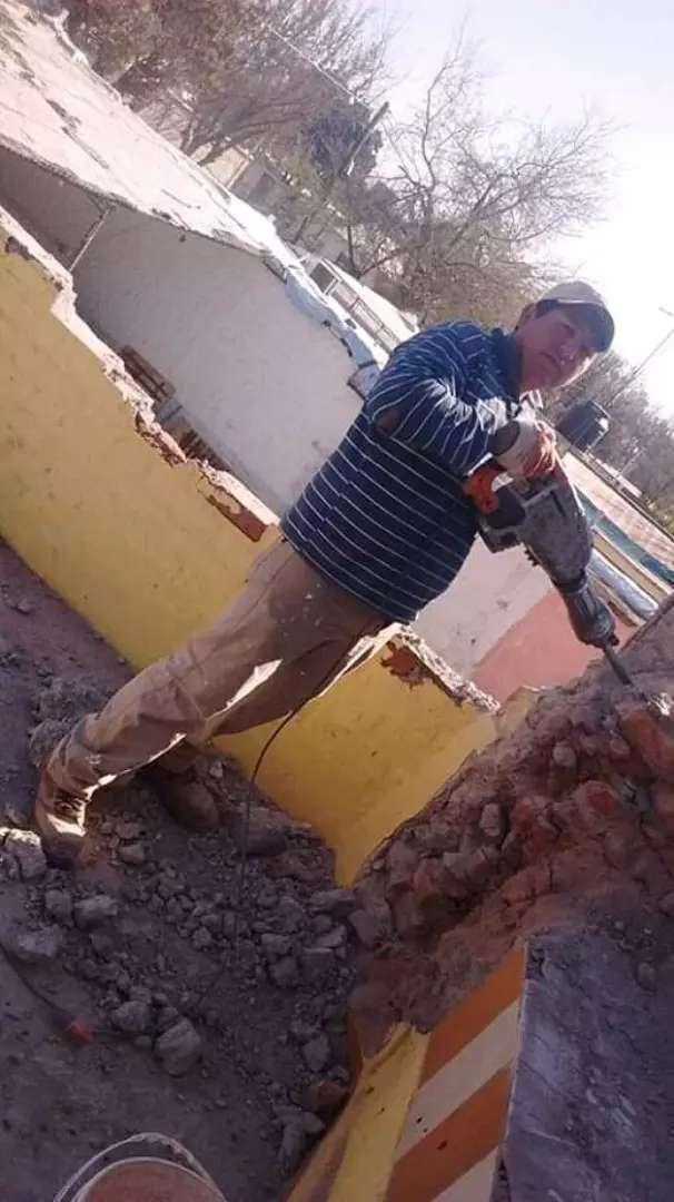 Albañil ago trabajos de albañileria y demoliciones 0