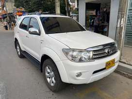 Fortuner 4x4 automatica