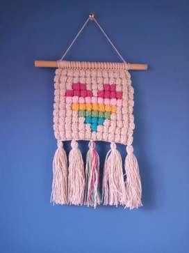 Colgante tejido a crochet con hilos de excelente calidad