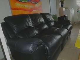 Mueble reclinable en cuero de fabrica