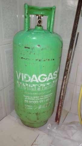 Pipeta llena de gas (mediana) con regulador