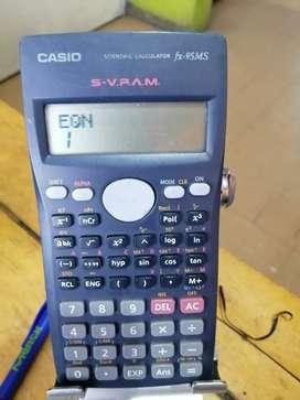 Calculadora Casio fx-95ms científica con ecuaciones buen estado