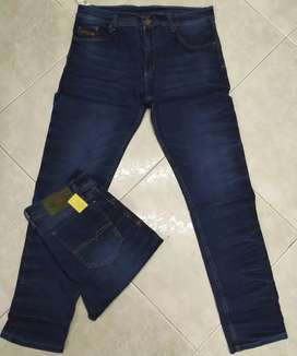 Vendo jeans Dama y Hombre y camisetas