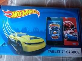 Tablet 7' con cargador en caja