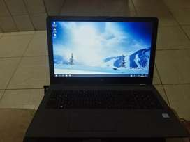 Se vende o se cambia laptop hp 250g6