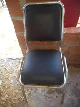 Dos sillas cuerina nueva