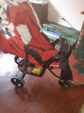 Se vende coche en perfecto estado para bebé