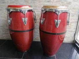 Congas En Fibra MC de 11.75 y 12.50 rojas, usadas