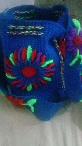 Vendo bolsos bien diseñados total mente artesanales