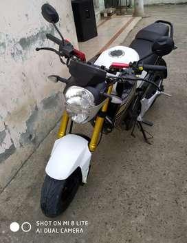 Moto casi nueva se vende por poco uso
