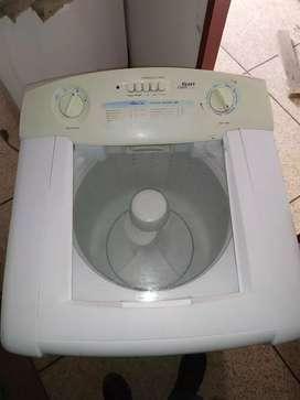 Vendo lavadora electrolux modelo analógico especia para el trabajo pesado , le damos 6 meses de garantía,