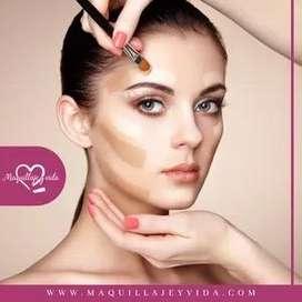¿Aprende a maquillarte desde casa?