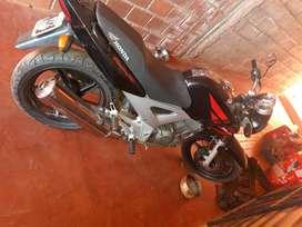 Vendo honda twister 250 cc buen estado en general