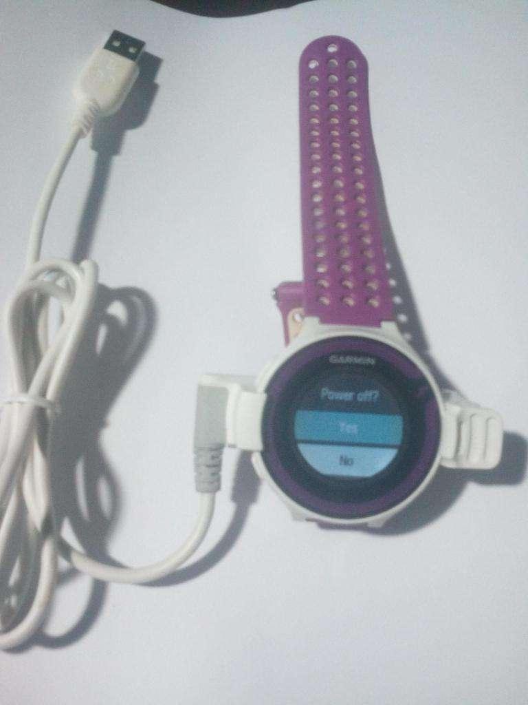 Garmin Reloj Forerunner 220 Running Gps Rojo Violeta. USADO. 0