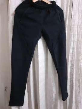 Pantalon con friza