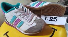 Calzado T.25