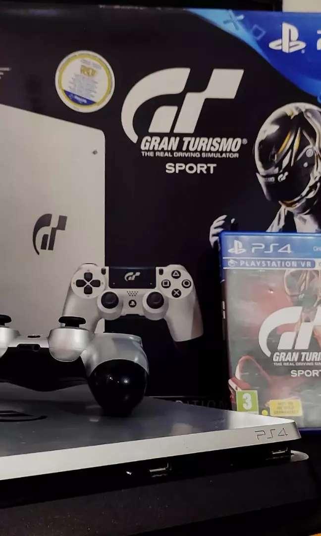 Inmaculada Ps4 Slim 1Tb Edición Limitada Gran Turismo Sport + Joystickc con caja y todos sus accesorios. .