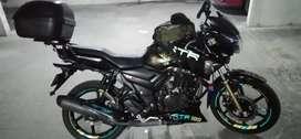 Vendo permuto moto Apache 180 modelo 2018
