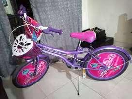 Cicla para niña poco uso