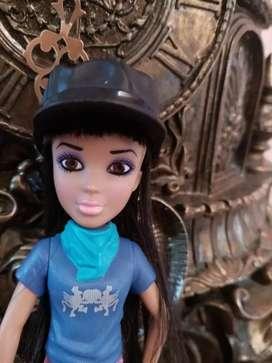 Muñeca figura de colección McDonald's año 2012