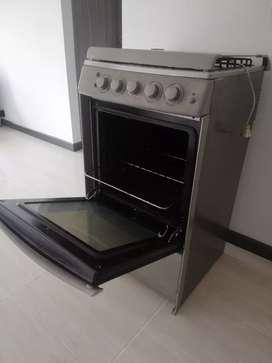 Indurama TREVI horno, encendido eléctrico y gratinador.