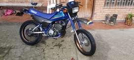DT 125 azul
