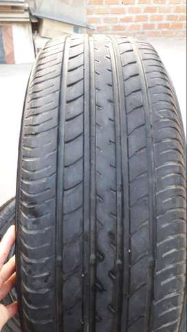 Neumáticos Seminuevos YOKOHAMA  225/65R17 102V GEOLANDAR G98