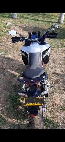 Venta de moto Ducati 1200