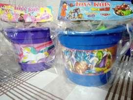 Balde con bloques para niñas ó niños