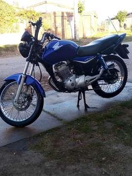 Honda cg titan 2014 en excelente estado lista para transferir