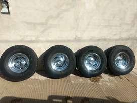 Cuatro ruedas para f100 Michelin