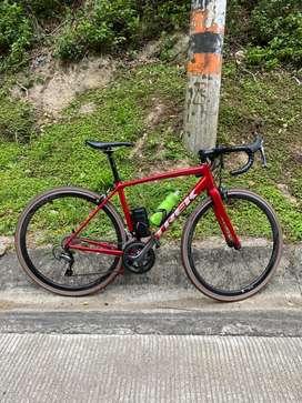 Bicicleta de ruta trek emonda ALR 4