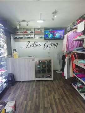 Se vende almacén de ropa urbana