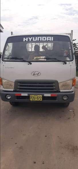 Se vende camion hyundai hd 65 ...año 2009 en perfecto estado documentos en regla todo ok.
