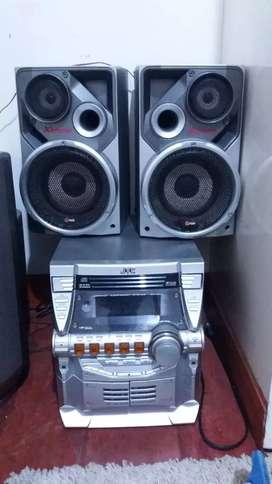 Se vende equipo de sonido jvc