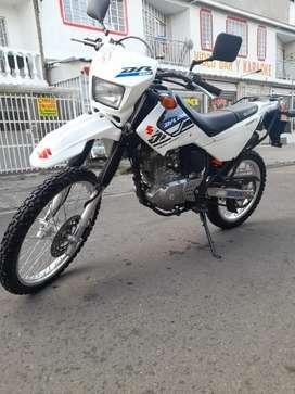 Suzuki DR 200 2020