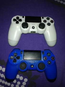 Se vende controles de ps4