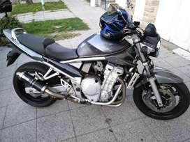 Vendo o permuto suzuki gsf bandit 650 2009