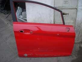 repuesto fiat , puerta delantera derecho original, muy buena, usada fiat punto
