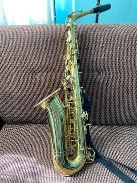 Vendi saxofon Alto marca Jimbao + equipo de limpieza yamaha