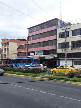 Se arrienda un departamento frente a la policia en la avenida: Atahualpa
