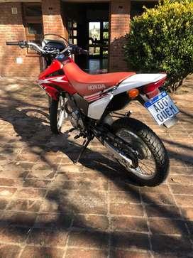 VENDO HONDA TORNADO 250cc o permuto por moto menor valor y diferencia
