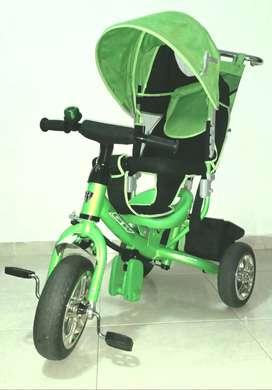 Coche paseador con triciclo