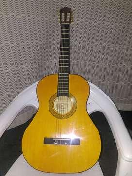 Guitarra marca BRAHMS Modelo N°CGC-36ON