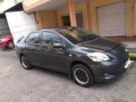 Vendo Toyota Yaris sedan versión Full