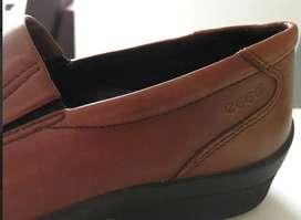 Zapatos comodisimos mujer talla 38 marca Ecco guante super suaves y confortables, finos en confección marca y materiales