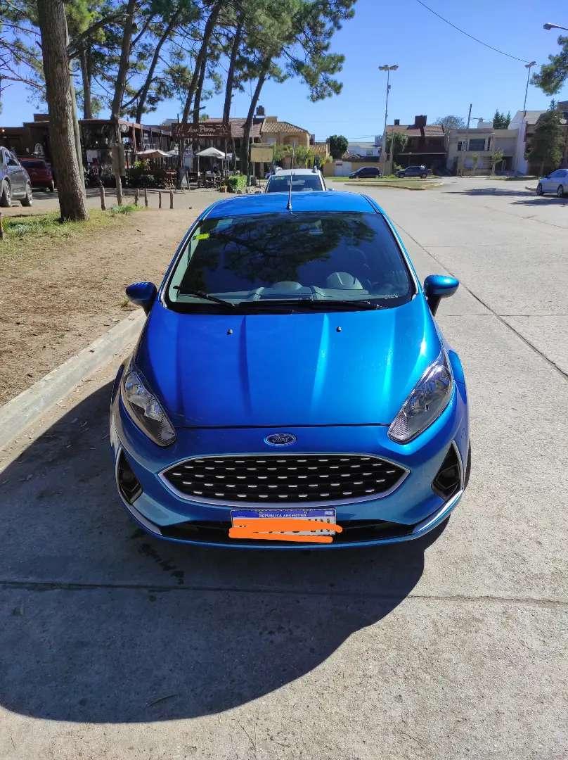 Vendo Ford Fiesta Kinetic S Plus.